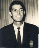 Juanito Guedes, con el traje oficial.