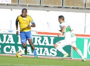 Atouba hizo su debut oficial con la Unión Deportiva / Samuel Sánchez (udlaspalmas.net)