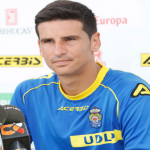 Vicente agradece jugar con tres centrocampistas