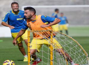 Adrián Hernández entrenó con el primer equipo