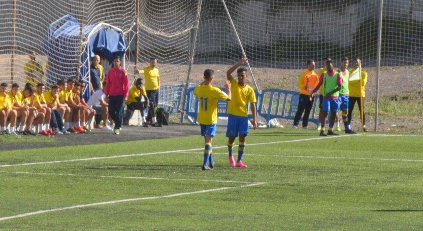 Lionel Rodríguez anotó dos goles en la goleada amarilla / Nauzet Robaina (udlaspalmas.net)